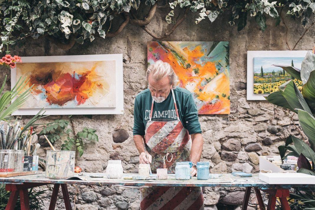 Hobbys sind im Alter unerlässlich. Es darf aber auch gern etwas Neues ausprobiert werden. Bildquelle: © Eddy Klaus / Unsplash.com