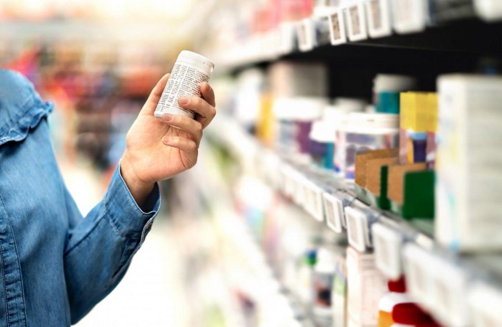 Durch die Einnahme von Vitaminpräparaten kann es unter Umständen zu einer Überversorgung kommen. Bildquelle: © stock.adobe.com @terovesalainen