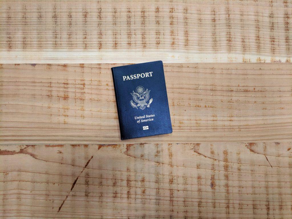 Der Reisepass und das ESTA Formular sind in bestimmten Ländern ein notwendiges Dokument für die Einreise. Bildquelle: © Jeremy Dorrough / Unsplash.com