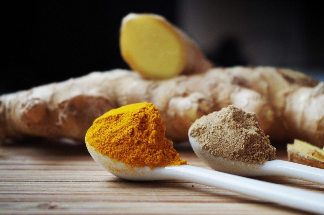 Kurkuma nennt sich auch gelber Inger und wird aus genau dieser Knolle gewonnen. Bildquelle: © Pixabay.com