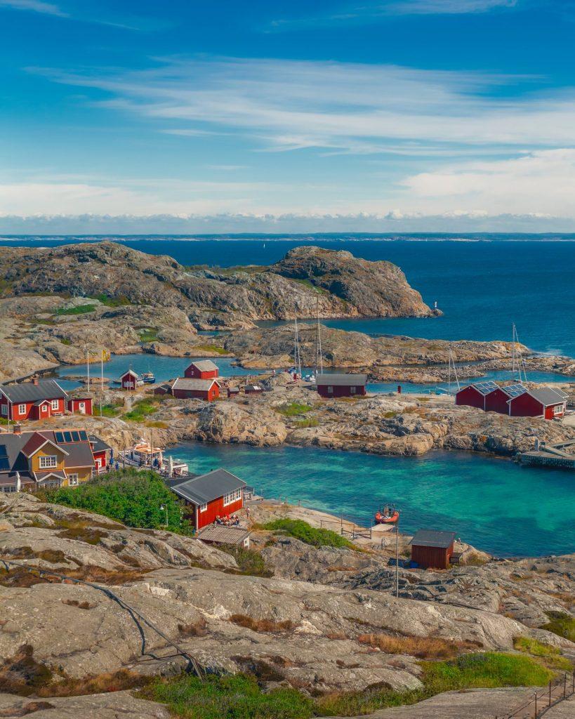 Ob direkt am Meer oder am See gelegen, in Schweden gibt es eine große Auswahl an Ferienhäusern und Wohnungen. Bildquelle: © Ferhat Deniz Fors / Unsplash.com