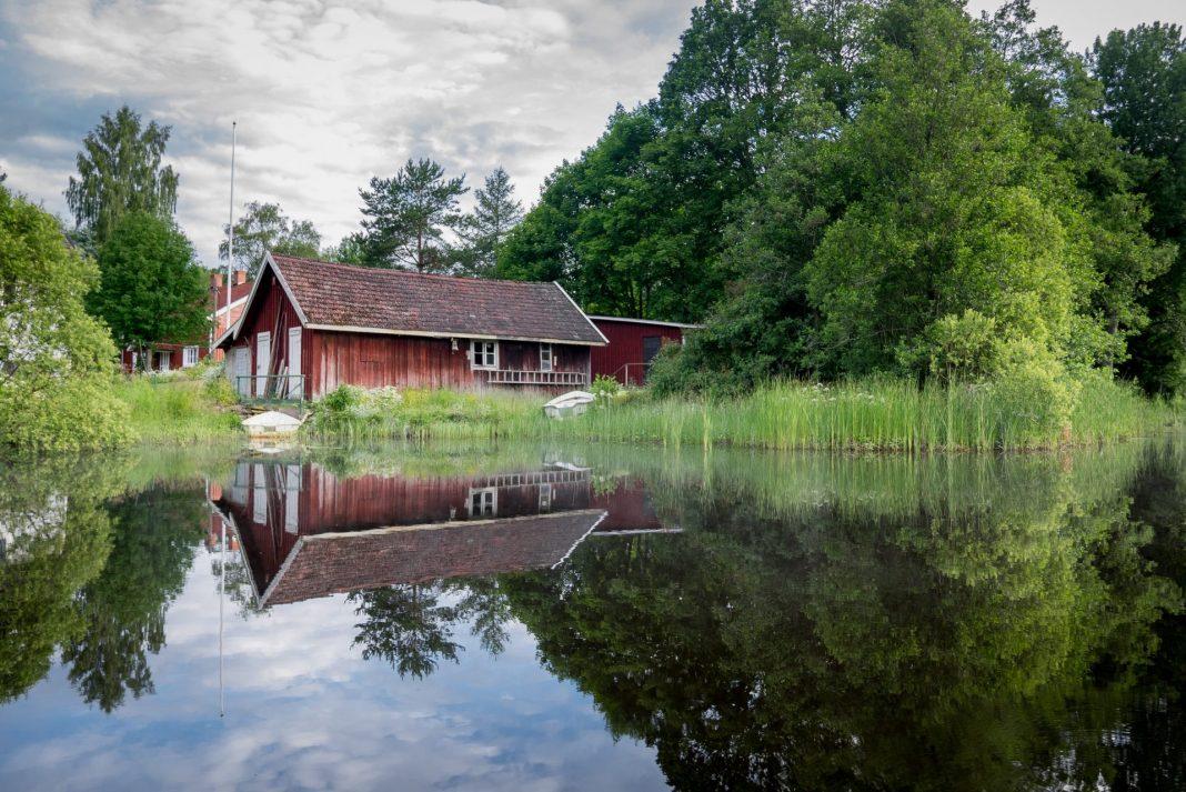 Urlaub mit den Enkelkindern bedeutet Abenteuer pur. Schon allein aus iesem Grund bietet sich eine Reise nach Schweden an. Bildquelle: © Jon Flobrant / Unsplash.com