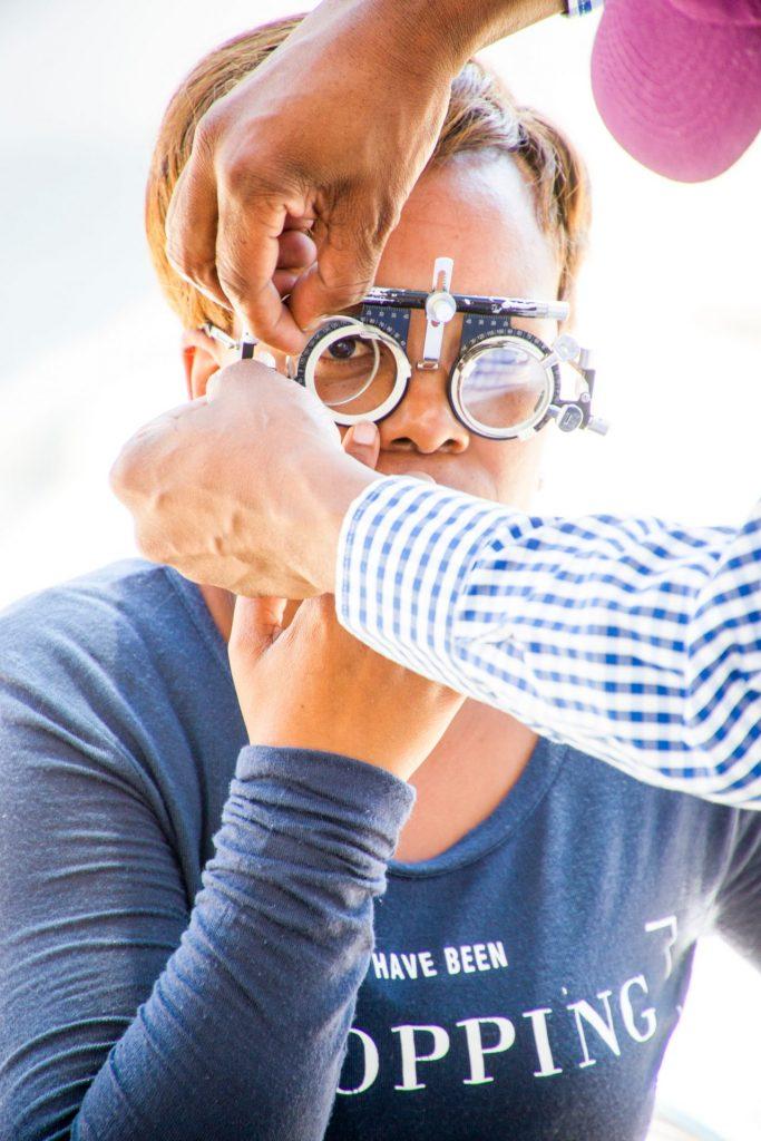 Der rechtzeitige Gang zum Augenarzt bringt schnelle Hilfe. Bildquelle: © Hush Naidoo / Unsplash.com