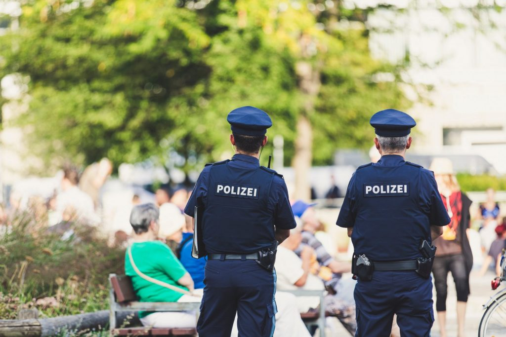 Das Fehlen von Sicherheitsfachkräften macht sich an vielen Stellen bemerkbar. Bildquelle: © Markus Spiske / Unsplash.com