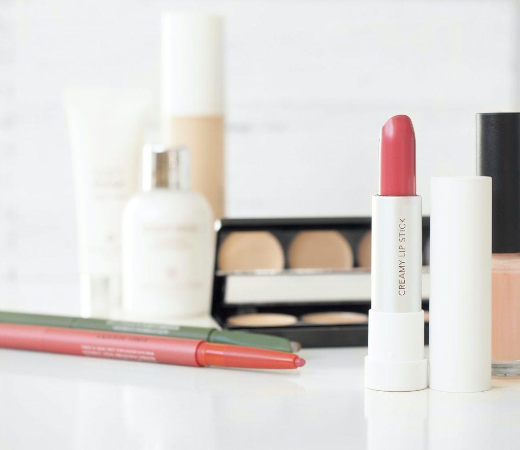 Die Damen der Generation 59plus bestellen zunehmend häufiger ihre Kosmetik online. Bildquelle: © Diana Ruseva / Unsplash.com