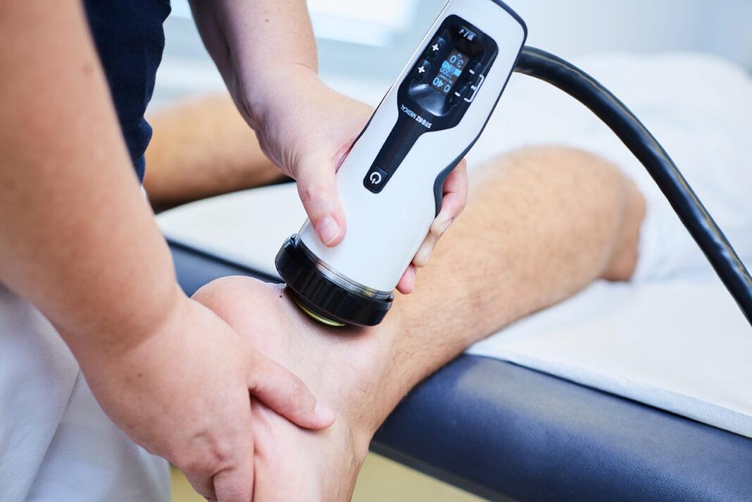 Die Stoßwellentherapie kann in vielen Fällen eine Operation vermeiden. Bildquelle: www.stosswellenzentrumnrw.de