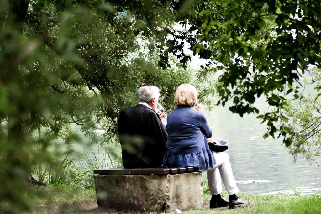Diesen Ehrentag sollten Sie mit einem schönen Erlebnis und vielleicht sogar neuen Eheringen feiern. Bildquelle: © Sven Mieke / Unsplash.com