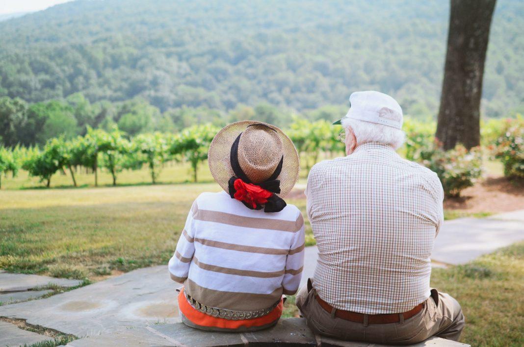 Wenn einer eine Reise tut, dann kann er was erleben. Das gilt auch für die Generation 59plus. Bildquelle: © Christian Bowen / Unsplash.com