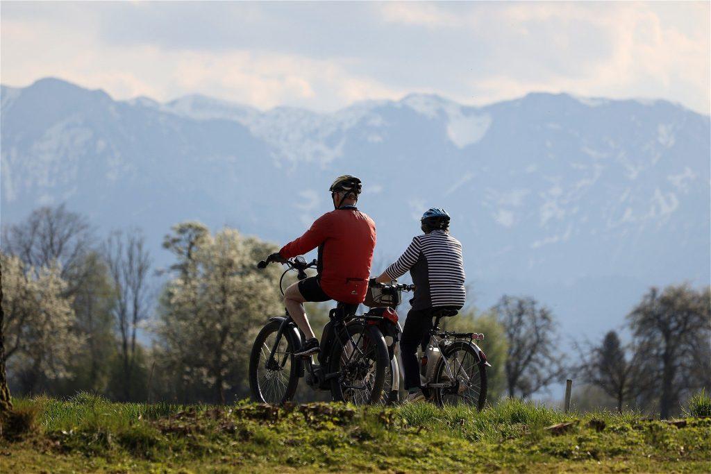 Ob Tourenrad oder Mountainbike, das E-Bike gibt es inzwischen in allen Varianten. Bildquelle: © Pixabay.com