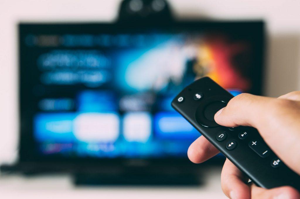Streaming ist schon lange nicht mehr nur etwas für die junge Generation. Bildquelle: © Glenn Carstens Peters / Unsplash.com