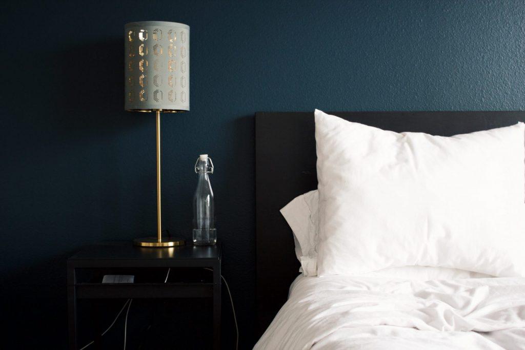 Auch Farben haben einen maßgeblichen Einfluss auf den Schlafkomfort. Bildquelle: © Rhema Kallianpur / Unsplash.com