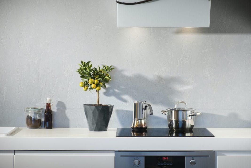 Eine barrierefreie Küche will gut geplant und gestaltet sein. Bildquelle: © Marcin Galusz / Unsplash.com